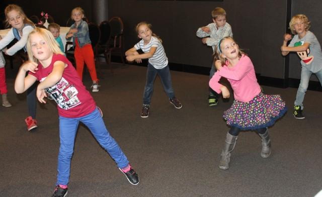 Veel plezier in de dansworkshop van maX Music.